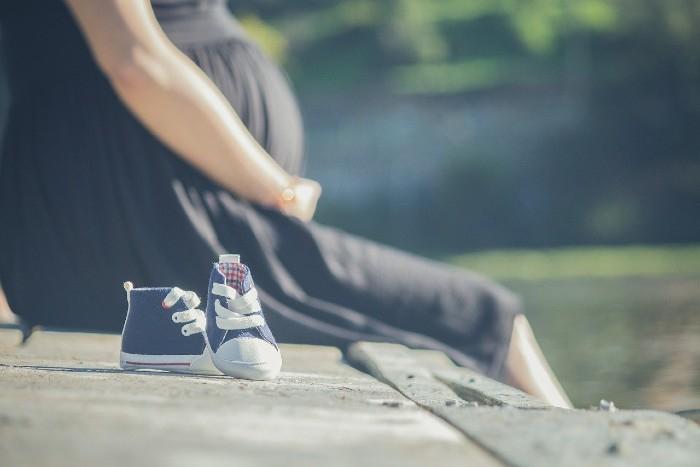 Ako určiť prvé príznaky tehotenstva