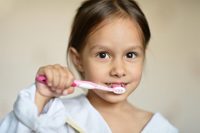 Deti a čistenie zubov. Môže ich baviť?