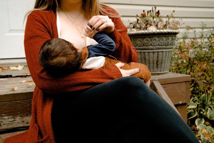 Homeopatia pre mamičky. Ako na podporu dojčenia?