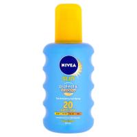 NIVEA Sun Sprej na opaľovanie podporujúci zhnednutie Protect & Bronze OF 20 200 ml