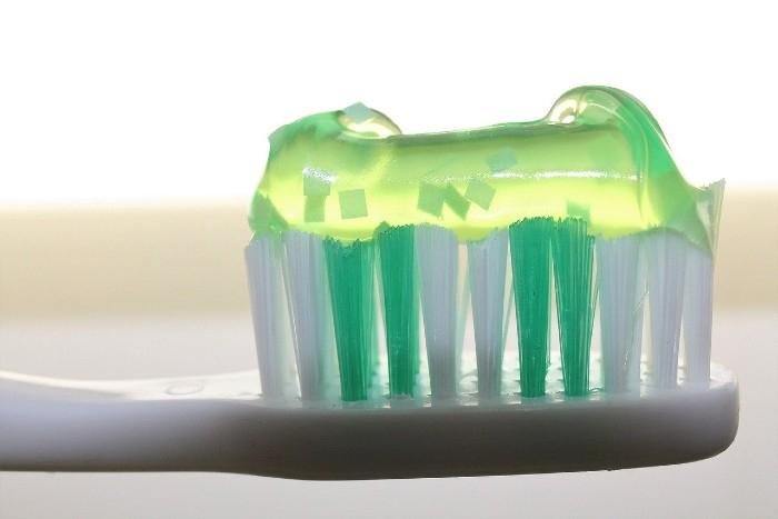 Prečo dať prednosť prírodným zubným pastám