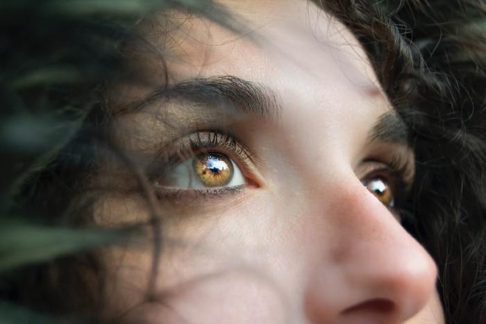 Výplach nosa: účinná pomoc pri prevencii a miernení prejavov nádchy a prechladnutia